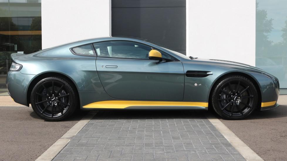 Aston Martin V12 Vantage S Coupe S 2dr image 4