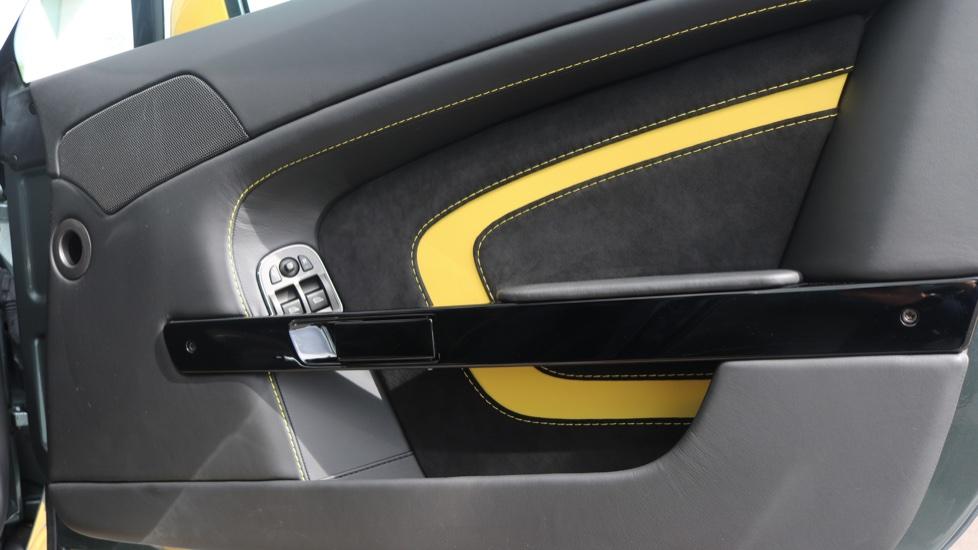 Aston Martin V12 Vantage S Coupe S 2dr image 19