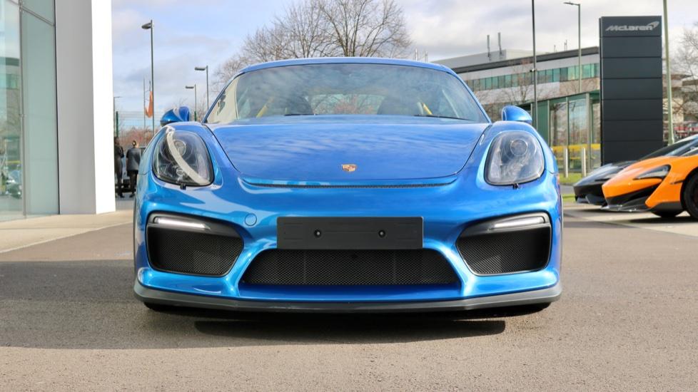 Porsche Cayman GT4 image 2
