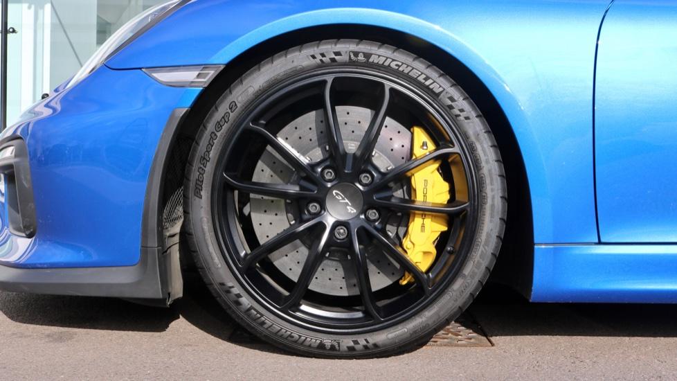 Porsche Cayman GT4 image 16