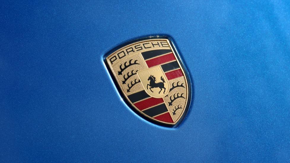 Porsche Cayman GT4 image 21
