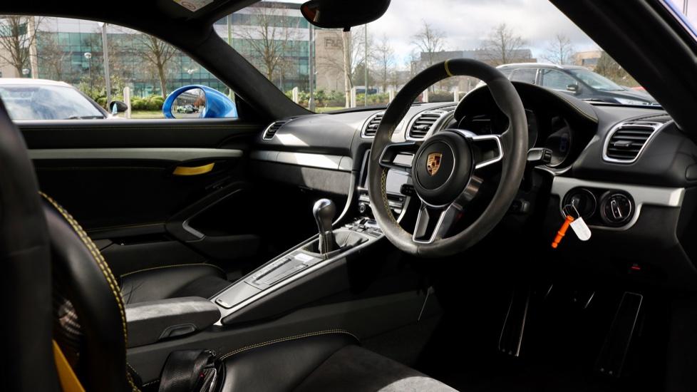 Porsche Cayman GT4 image 33