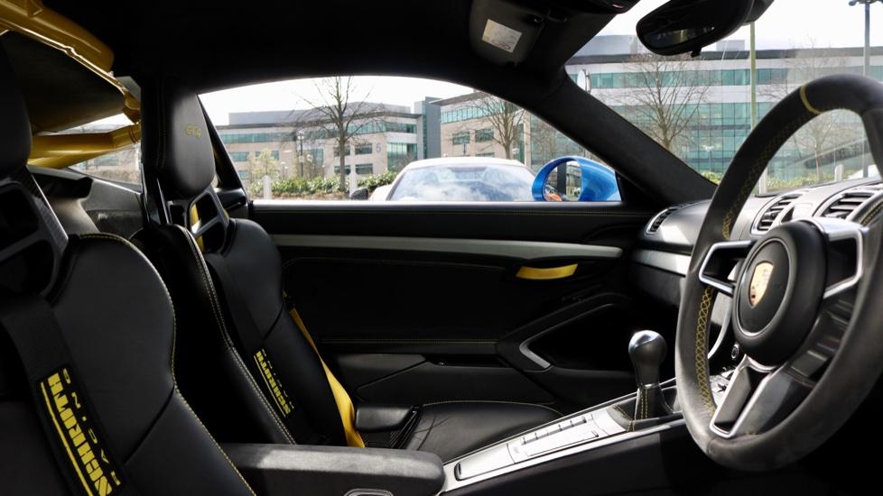 Porsche Cayman GT4 image 34