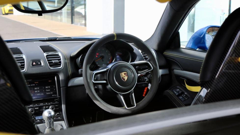 Porsche Cayman GT4 image 41