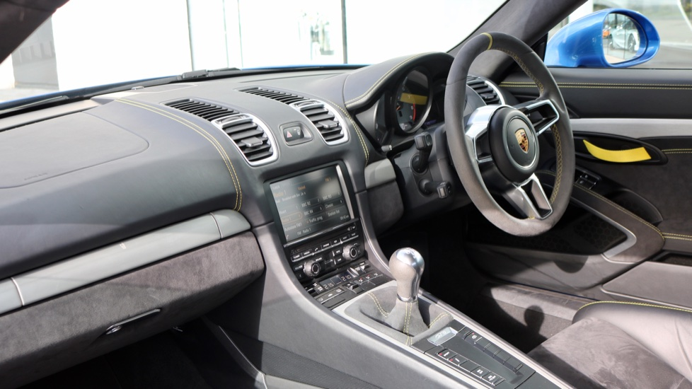 Porsche Cayman GT4 image 43