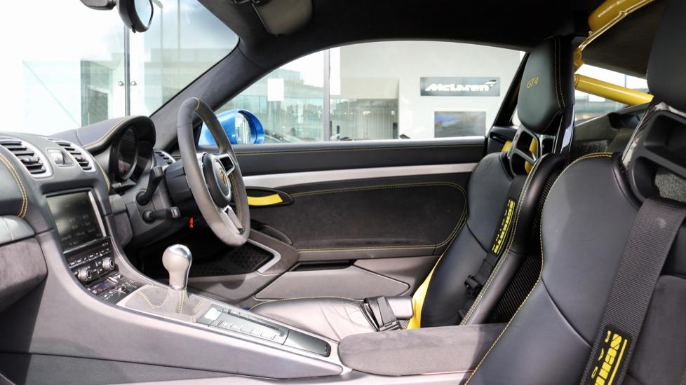 Porsche Cayman GT4 image 45