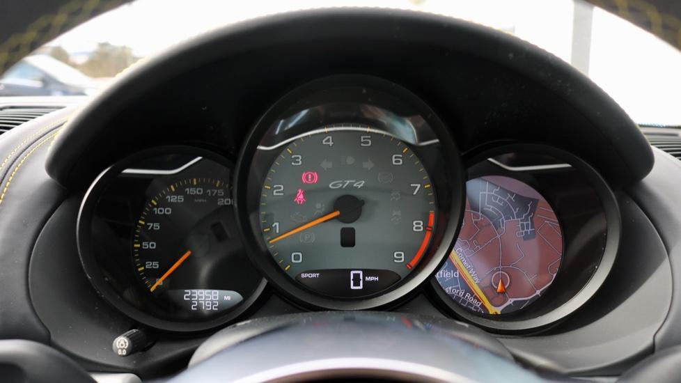 Porsche Cayman GT4 image 58