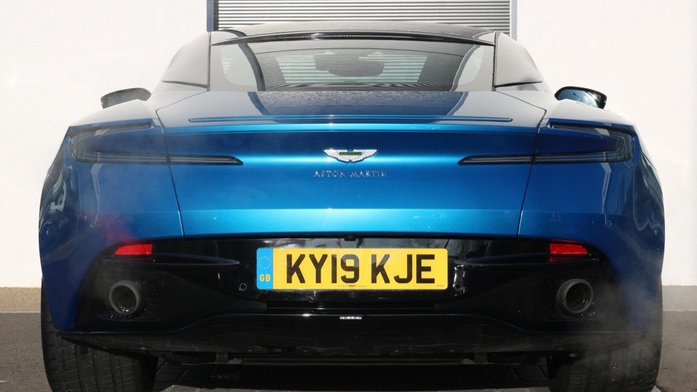 Aston Martin DB11 V8 2dr Touchtronic image 3