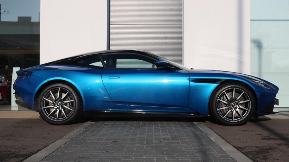 Aston Martin DB11 V8 2dr Touchtronic image 4