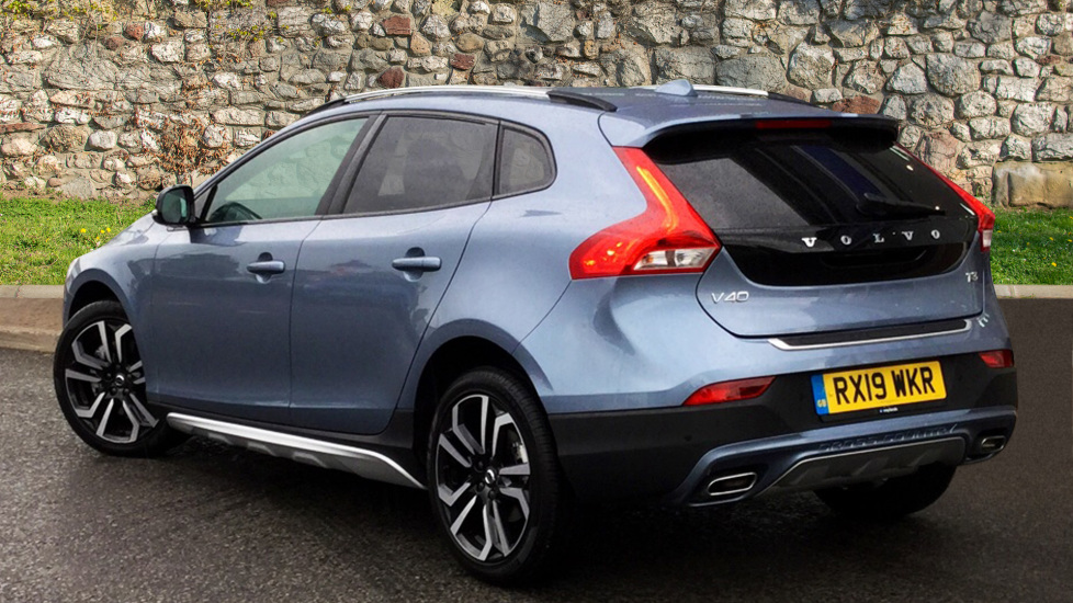 Volvo V40 CC T3 Cross Country Pro Automatic - Used vehicle - Blue - 5,000  miles - | Waylands Volvo