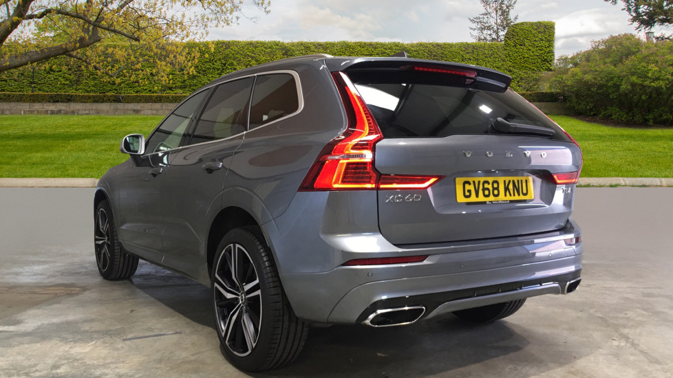 Volvo XC60 II T5 AWD R-Design Pro Auto, Air Suspension, Active Four-C  Chassis and 21' Wheels