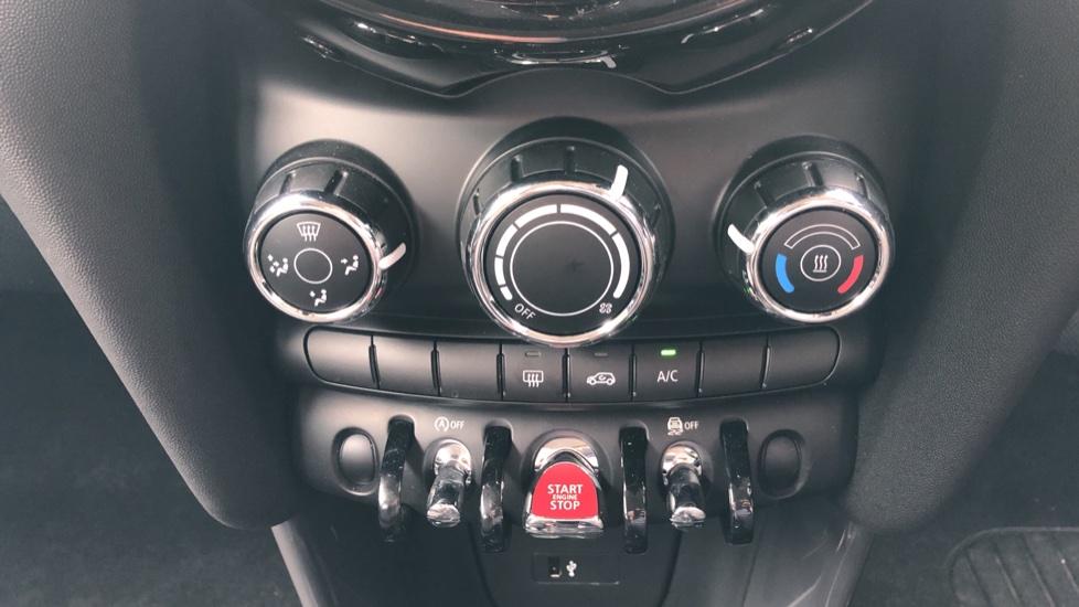 Mini Cooper 1.5 Cooper 5dr Auto, Bluetooth, Auto Lights & Wipers, Ambient Lighting, DAB Radio, Keyless Drive image 16