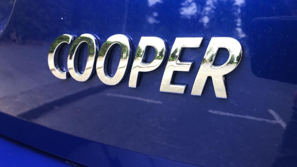 Mini Cooper 1.5 Cooper 5dr Auto, Bluetooth, Auto Lights & Wipers, Ambient Lighting, DAB Radio, Keyless Drive image 24