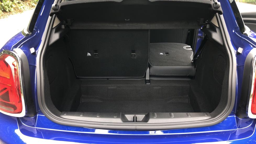 Mini Cooper 1.5 Cooper 5dr Auto, Bluetooth, Auto Lights & Wipers, Ambient Lighting, DAB Radio, Keyless Drive image 25