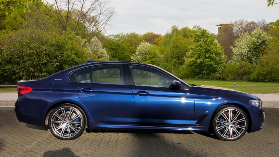 BMW 5 Series 530e M Sport Auto, Plug In Hybrid, Rear Camera, Heated Seats, Nav, 80Gb Hard Drive, DAB Radio image 2
