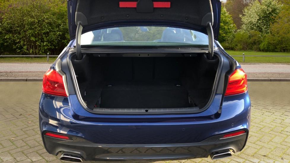 BMW 5 Series 530e M Sport Auto, Plug In Hybrid, Rear Camera, Heated Seats, Nav, 80Gb Hard Drive, DAB Radio image 33