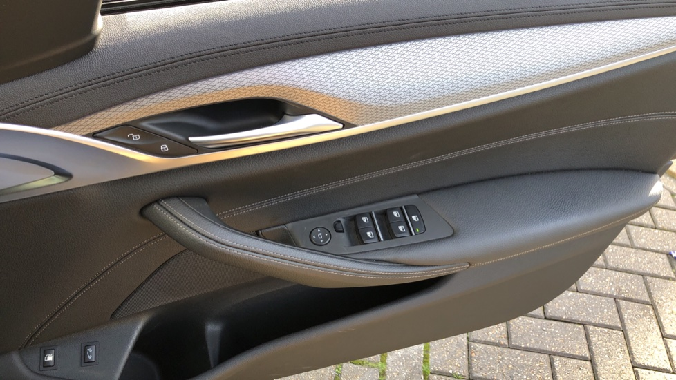 BMW 5 Series 530e M Sport Auto, Plug In Hybrid, Rear Camera, Heated Seats, Nav, 80Gb Hard Drive, DAB Radio image 35