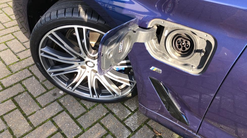 BMW 5 Series 530e M Sport Auto, Plug In Hybrid, Rear Camera, Heated Seats, Nav, 80Gb Hard Drive, DAB Radio image 19