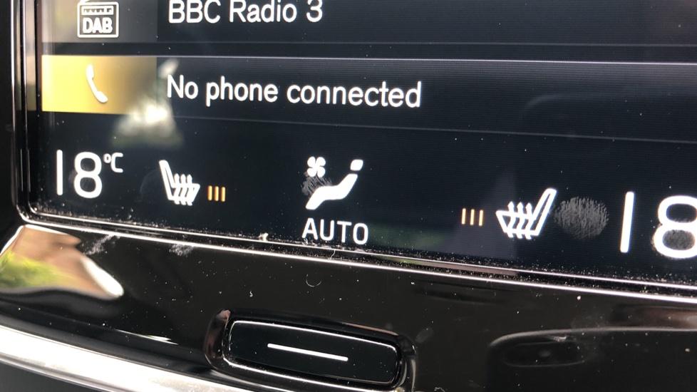 Volvo V90 D4 Momentum Auto with Pilot Assist, Adaptive Cruise, DAB Radio, F & R Park Sensors, Heated F.Seats image 6