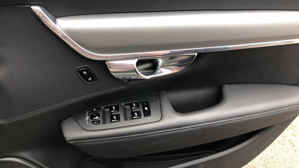 Volvo V90 D4 Momentum Auto with Pilot Assist, Adaptive Cruise, DAB Radio, F & R Park Sensors, Heated F.Seats image 30