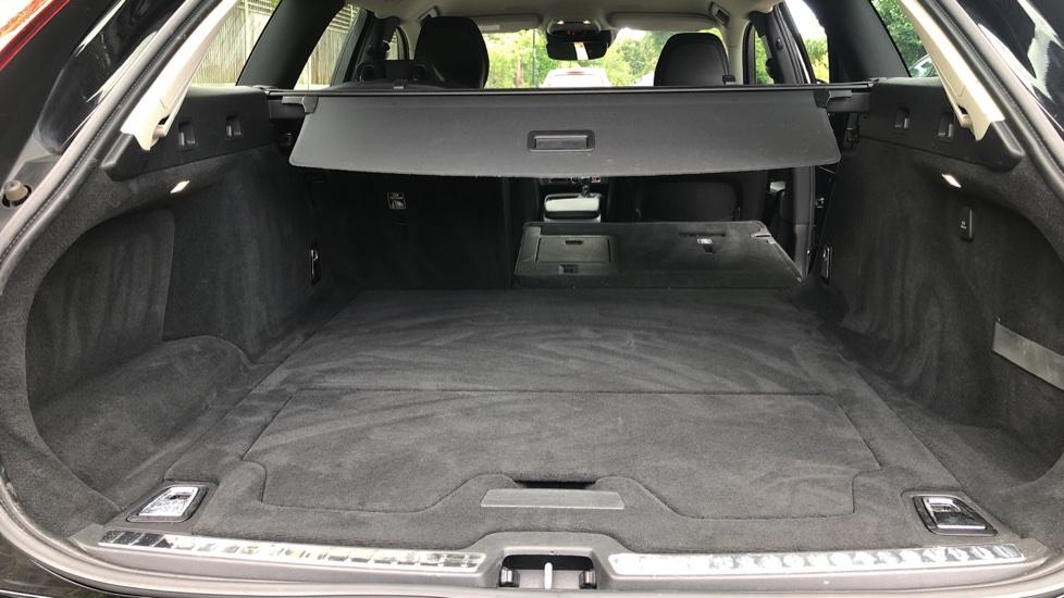 Volvo V90 D4 Momentum Auto with Pilot Assist, Adaptive Cruise, DAB Radio, F & R Park Sensors, Heated F.Seats image 24