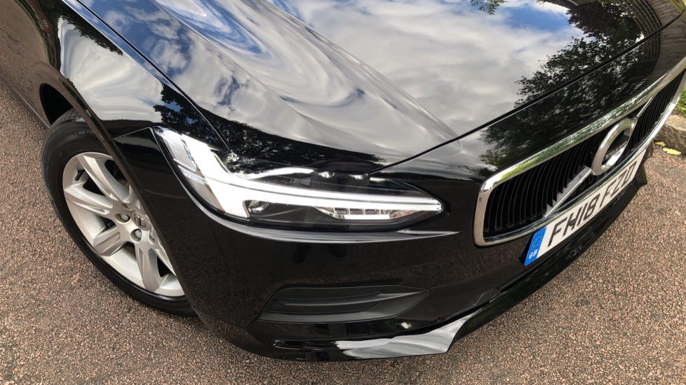 Volvo V90 D4 Momentum Auto with Pilot Assist, Adaptive Cruise, DAB Radio, F & R Park Sensors, Heated F.Seats image 21