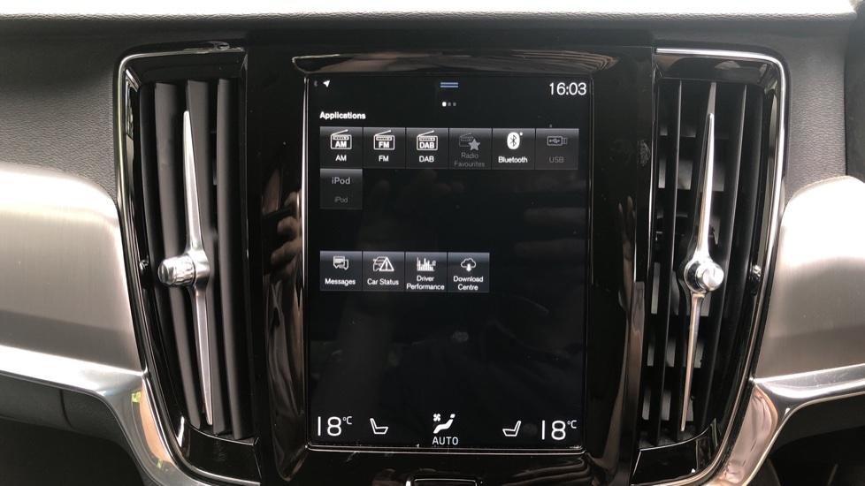 Volvo V90 D4 Momentum Auto with Pilot Assist, Adaptive Cruise, DAB Radio, F & R Park Sensors, Heated F.Seats image 15