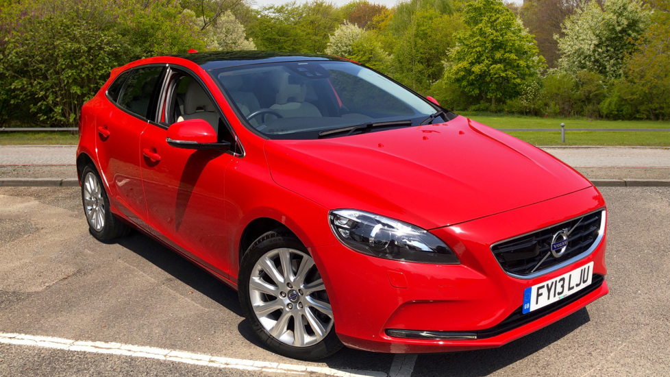 Volvo V40 D3 SE Lux Nav, Drivers Support Pk with ACC & LDW, BLIS, Winter Pack, Pan Roof & Rear Park Assist. 2.0 Diesel 5 door Hatchback (2013) image