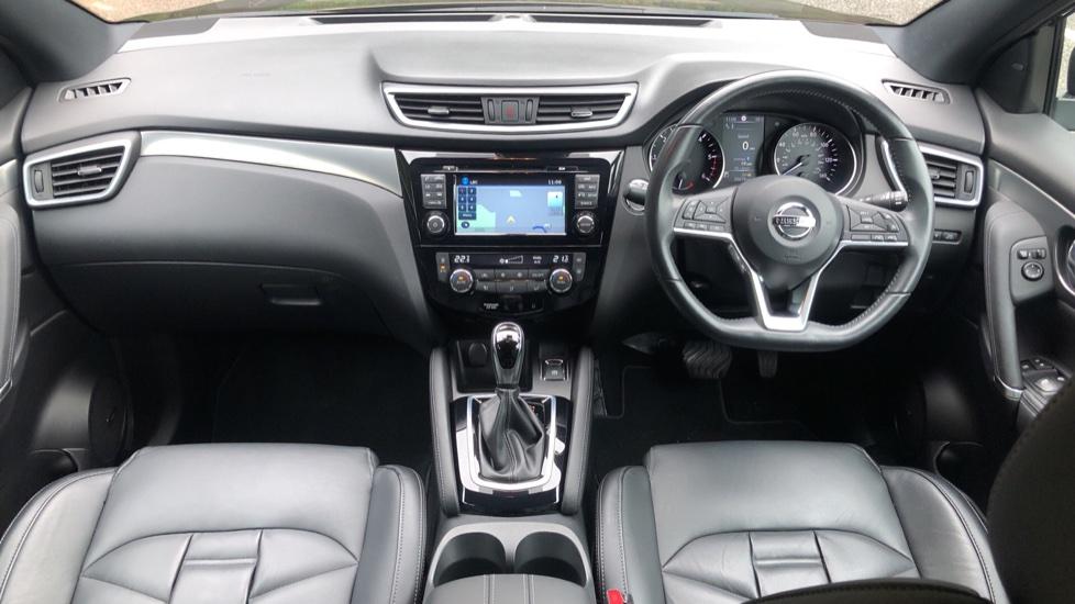 Nissan Qashqai 1.6 dCi Tekna+ Auto, Nav, Sunroof, F & R Sensors, Park Camera, BOSE Audio, Bluetooth, Keyless Drive image 11