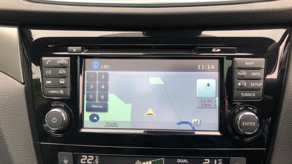 Nissan Qashqai 1.6 dCi Tekna+ Auto, Nav, Sunroof, F & R Sensors, Park Camera, BOSE Audio, Bluetooth, Keyless Drive image 5