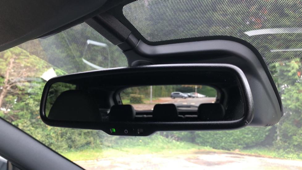 Nissan Qashqai 1.6 dCi Tekna+ Auto, Nav, Sunroof, F & R Sensors, Park Camera, BOSE Audio, Bluetooth, Keyless Drive image 27