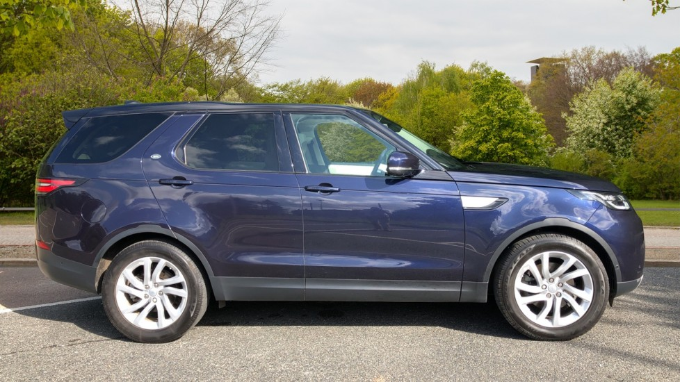 Land Rover Discovery 2.0 Si4 HSE 5dr image 2
