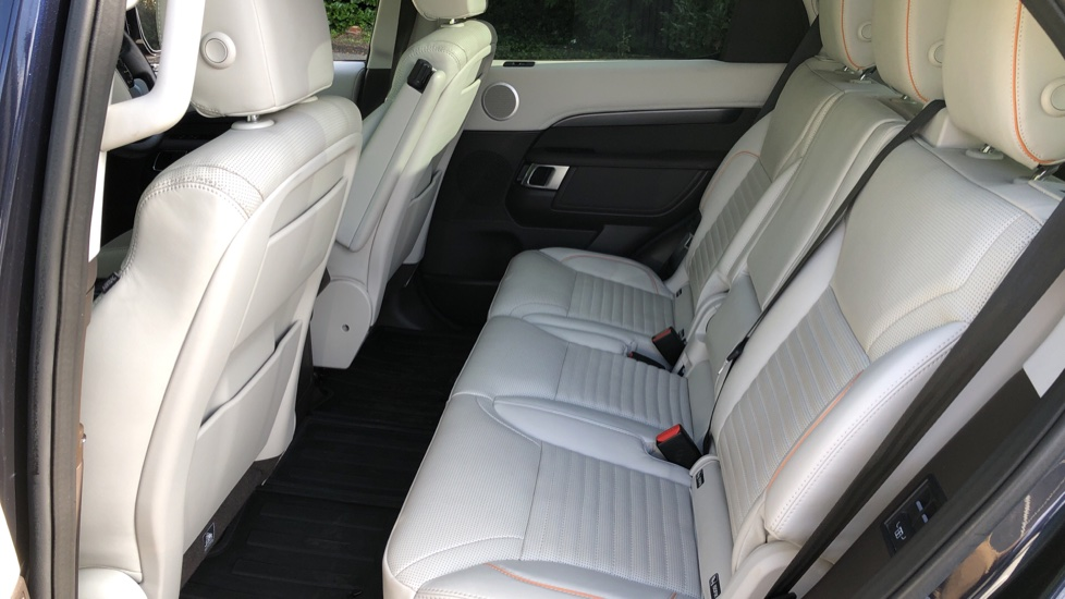 Land Rover Discovery 2.0 Si4 HSE 5dr image 20