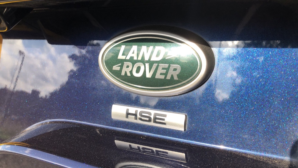 Land Rover Discovery 2.0 Si4 HSE 5dr image 46