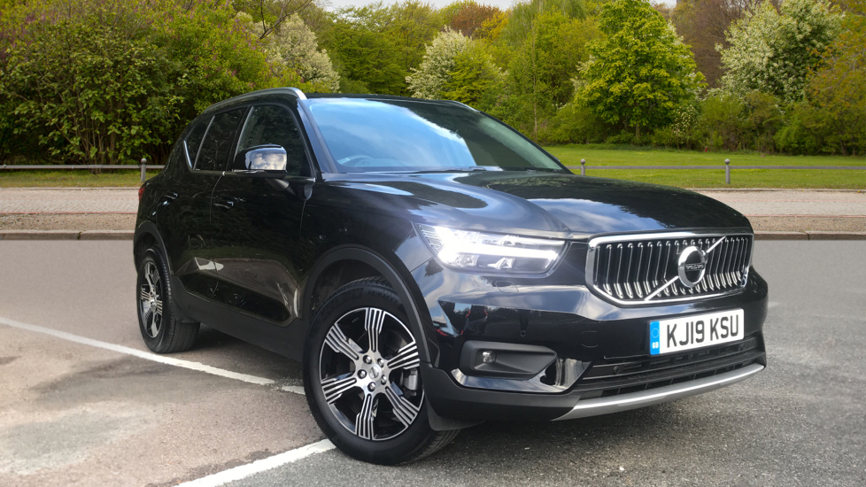 Volvo XC40 2.0 D3 Inscription AWD Auto, Winter & Convenience Packs, Privacy Glass, S/Phone Integration Diesel Automatic 5 door 4x4 (2019) image