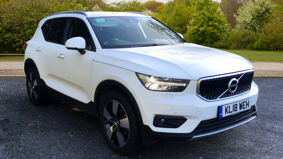 Volvo XC40 1.5 T3 Petrol Momentum Pro with Leather, Convenience Pack, Intellisafe Pro & Rear Parking Camera 5 door Estate (2018) image