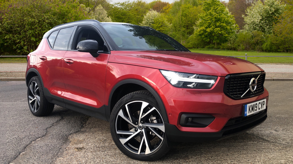 Volvo XC40 2.0 D4 R Design Pro AWD Auto, XeniumPk, ConveniencePk, IntellisafePro, S/Phone Int & Keyless Drive Diesel Automatic 5 door Estate (2019)