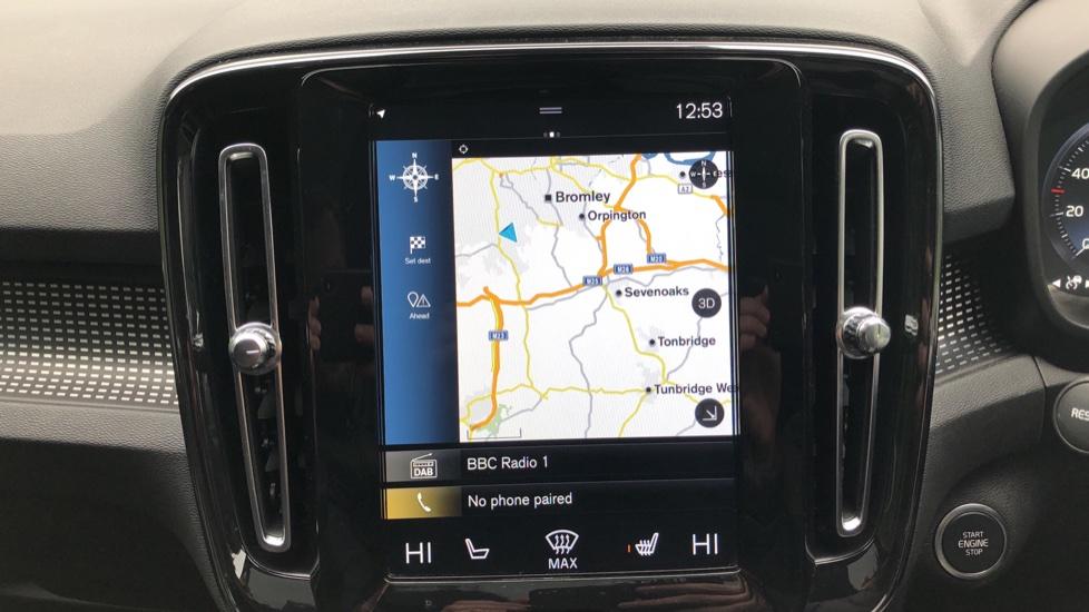Volvo XC40 2.0 T4 R Design Pro AWD AT, Keyless Drive, Smartphone Integration, Active Bending Lights, DAB image 5
