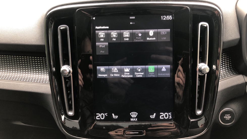 Volvo XC40 2.0 T4 R Design Pro AWD AT, Keyless Drive, Smartphone Integration, Active Bending Lights, DAB image 12