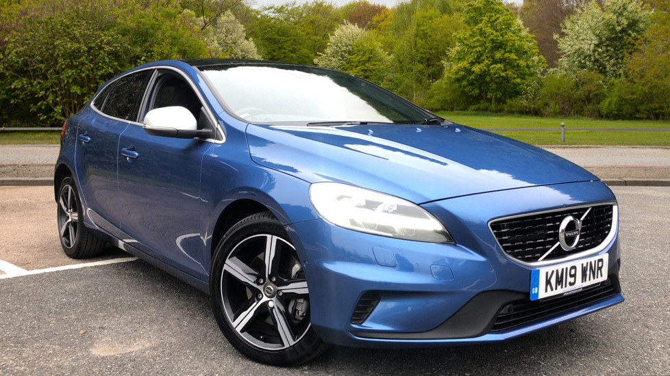 Volvo V40 T3 R Design Edition AT, Nav, Xenium Pk, Intellisafe Pro, Panoramic Roof, Rear Camera, DAB 1.5 Automatic 5 door Hatchback (2019) at Volvo Croydon thumbnail image