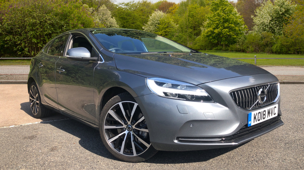 Volvo V40 D2 Inscription Auto Winter Pk, Intellisafe Pro, PrivGlass, 18 Inch Wheels, Ft Sensors, VolvoOnCall 2.0 Diesel Automatic 5 door Hatchback (2018) image