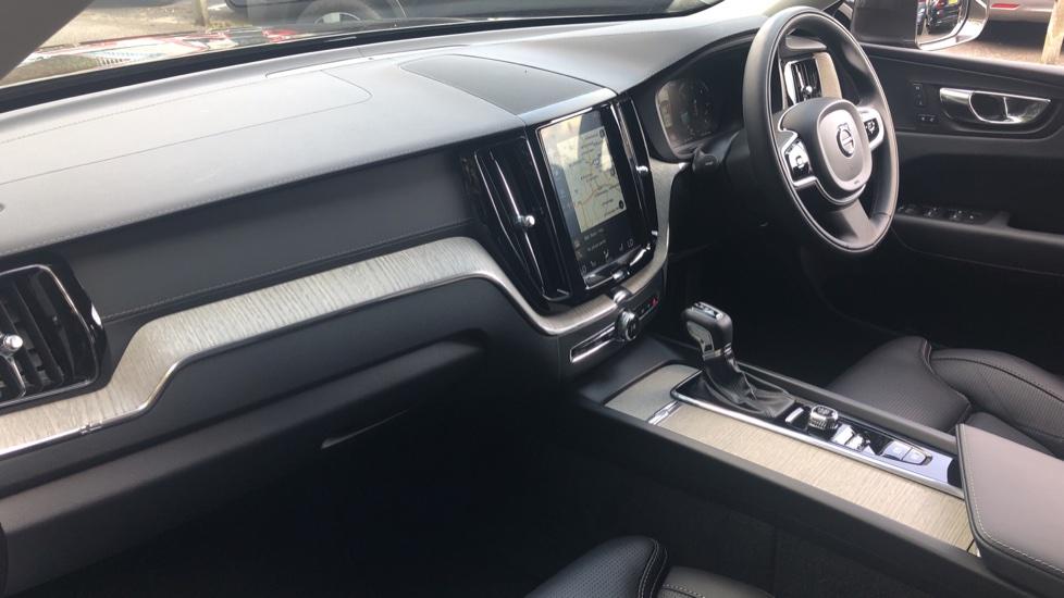 Volvo XC60 2.0 D4 Inscription Nav Auto AWD with Winter, BLIS, Keyless Drive, Smartphone Pack. image 12