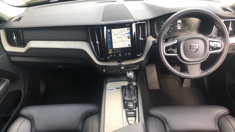 Volvo XC60 2.0 D4 Inscription Nav Auto AWD with Winter, BLIS, Keyless Drive, Smartphone Pack. image 5