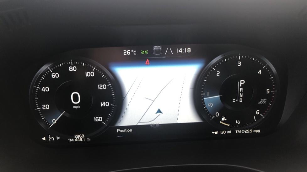 Volvo XC60 2.0 D4 Inscription Nav Auto AWD with Winter, BLIS, Keyless Drive, Smartphone Pack. image 9