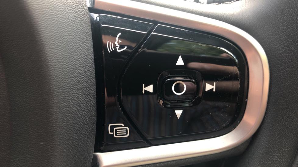 Volvo XC60 2.0 D4 Inscription Nav Auto AWD with Winter, BLIS, Keyless Drive, Smartphone Pack. image 16