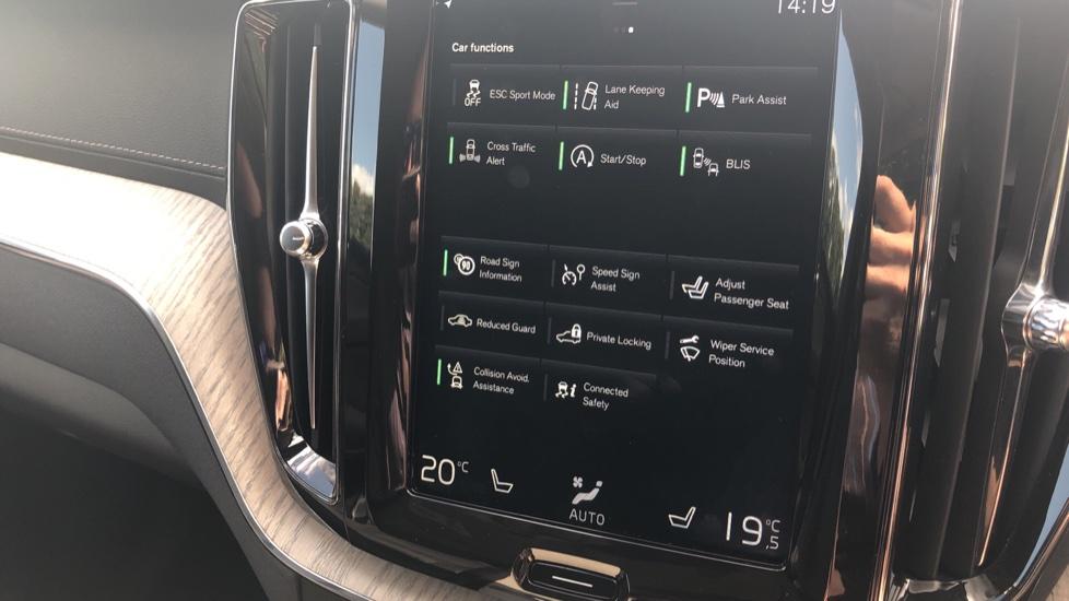 Volvo XC60 2.0 D4 Inscription Nav Auto AWD with Winter, BLIS, Keyless Drive, Smartphone Pack. image 8