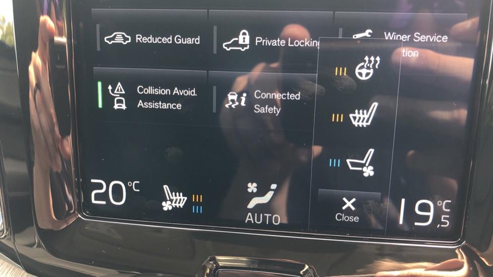 Volvo XC60 2.0 D4 Inscription Nav Auto AWD with Winter, BLIS, Keyless Drive, Smartphone Pack. image 10