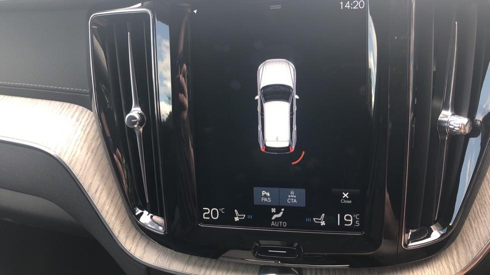 Volvo XC60 2.0 D4 Inscription Nav Auto AWD with Winter, BLIS, Keyless Drive, Smartphone Pack. image 11