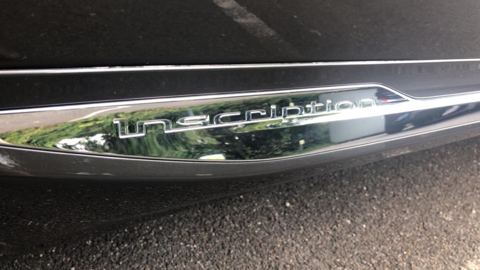 Volvo XC60 2.0 D4 Inscription Nav Auto AWD with Winter, BLIS, Keyless Drive, Smartphone Pack. image 19