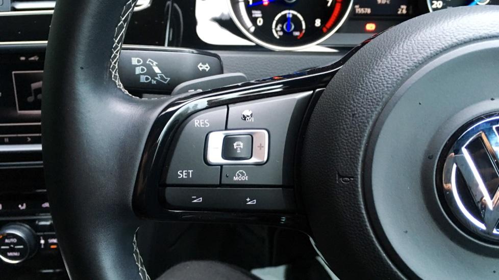 Volkswagen Golf R 4 Motion DSG Auto with Sat Nav, Adaptive Cruise & Frt & Rear Parking Sensors image 15